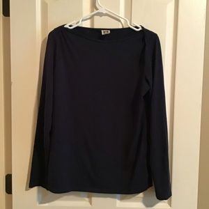 Lightweight long sleeved blouse